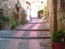 oude kleine straatjes in het dorp