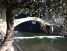 De beroemde oude brug van Dolceacqua